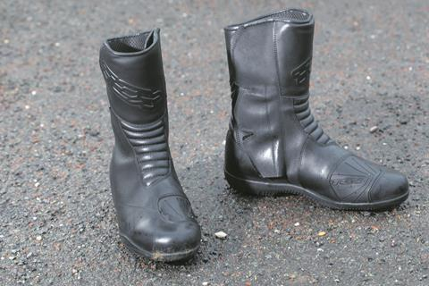 Motorcycle Boots Expert Product Reviews Mcn Mcn