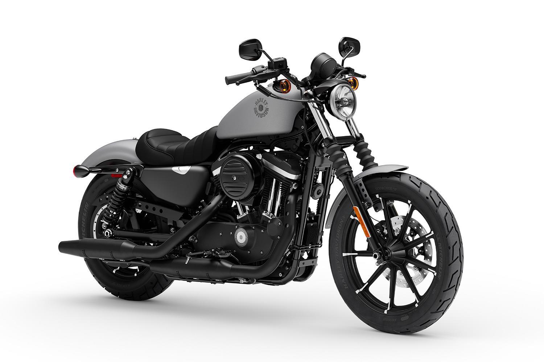 Harley Iron 883 front three-quarter view