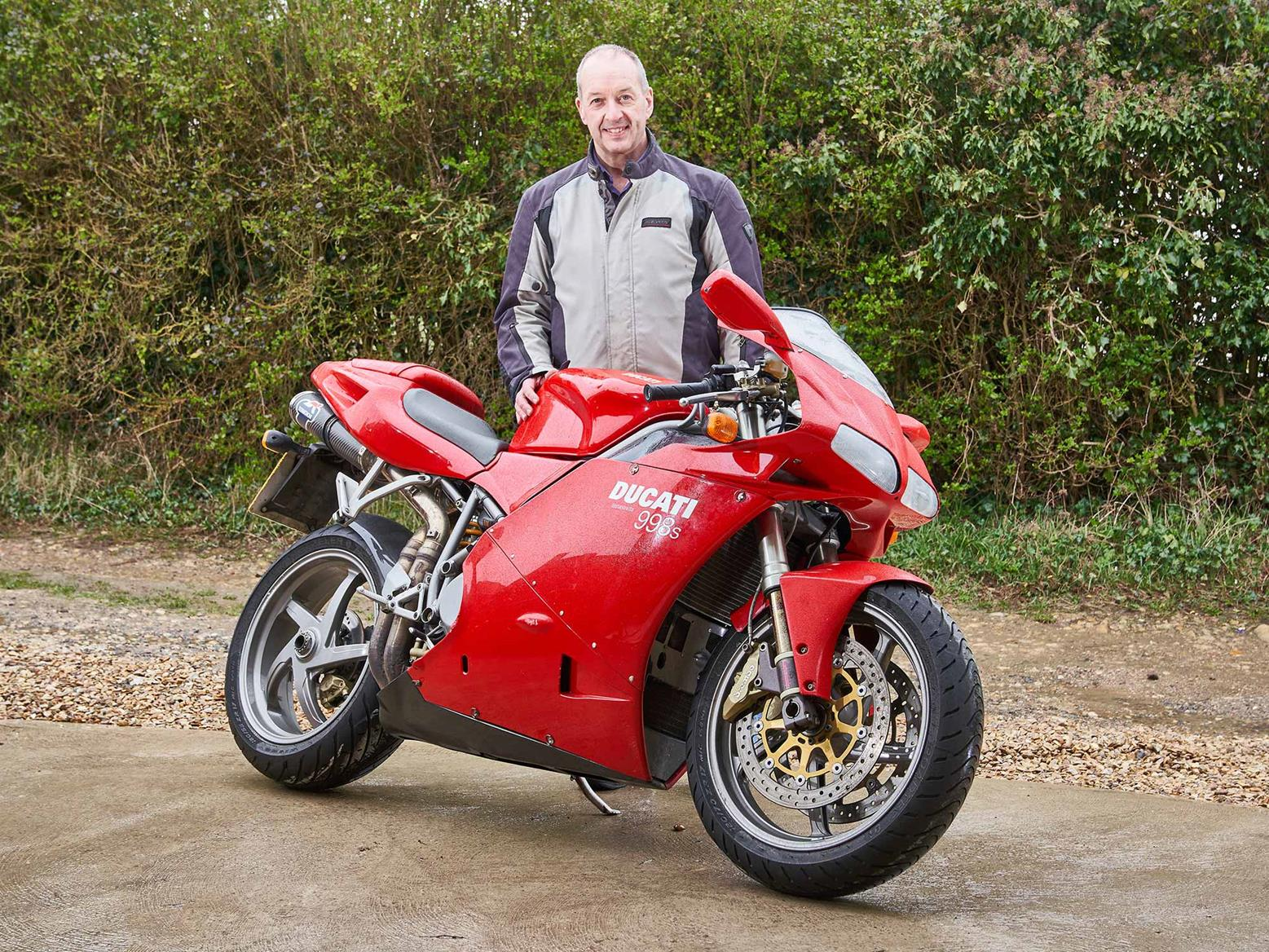 #R5K member Mark Silcox gets reunited with his beloved Ducati 998S after 11 years, following a serious racing accident